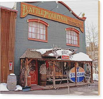 Battle Mountain Trading Post Wood Print by Fiona Kennard