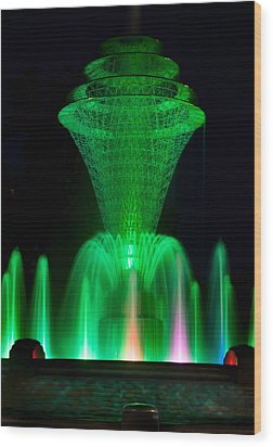 Bayliss Park Fountain Green Wood Print by Becky Meyer
