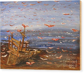 Beach Boat And Birds Wood Print