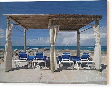Beach Cabana With Lounge Chairs Wood Print by Amy Cicconi