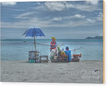 Wood Print featuring the photograph Beach Sellers by Michelle Meenawong