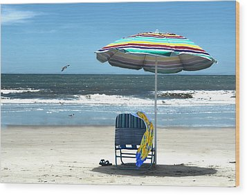Beach Solitude Wood Print by Sandi OReilly