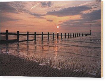 Beach Sunset Wood Print by Ian Mitchell