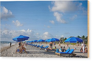 Beach Umbrellas Wood Print by Don Durfee