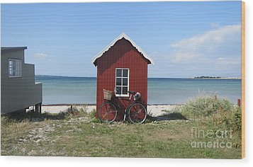 Beachhouse3 Wood Print by Susanne Baumann