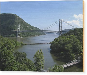 Bear Mountain Bridge Wood Print by Doug McPherson