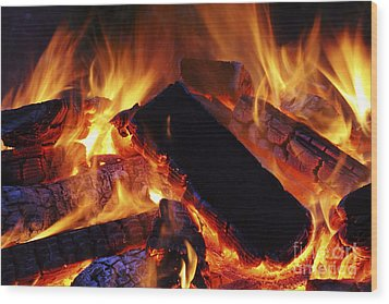 Beautiful Camp Fire Wood Print by Boon Mee