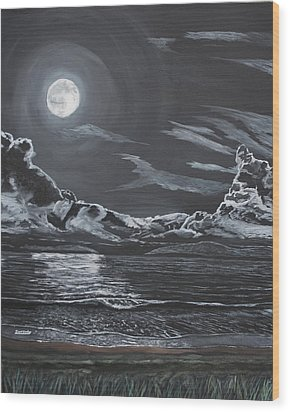 Beauty Of The Night Wood Print by Ian Donley