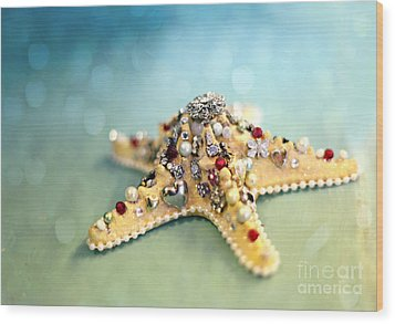 Bejeweled Starfish Wood Print by Sylvia Cook