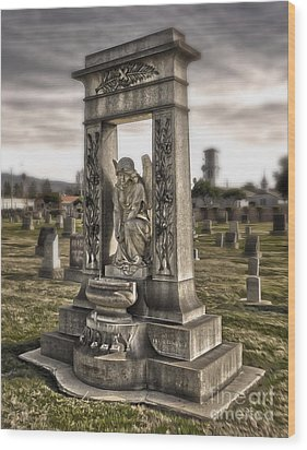Bellevue Cemetery Crypt - 01 Wood Print by Gregory Dyer