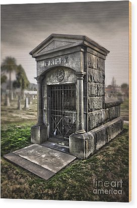 Bellevue Cemetery Crypt - 03 Wood Print by Gregory Dyer