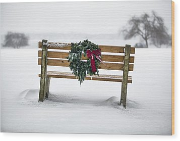 Bench And Wreath Wood Print by Eric Gendron