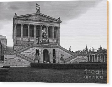 Berlin - National Gallery - Black And White Wood Print by Gregory Dyer
