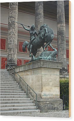 Berlin - Altes Museum No.02 Wood Print by Gregory Dyer