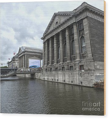 Berlin - Pergamon Museum - No.04 Wood Print by Gregory Dyer