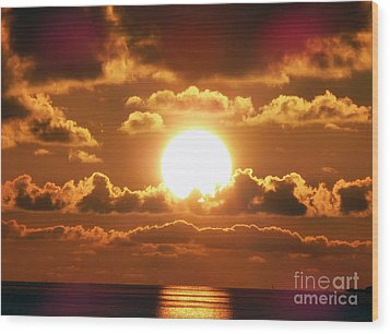 Bermuda Sunset Wood Print