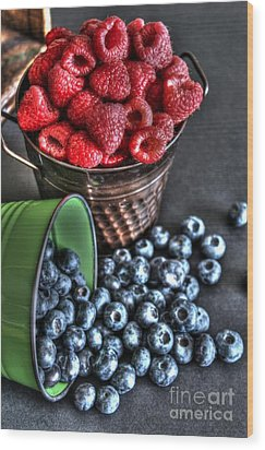 Berries Wood Print by Jimmy Ostgard