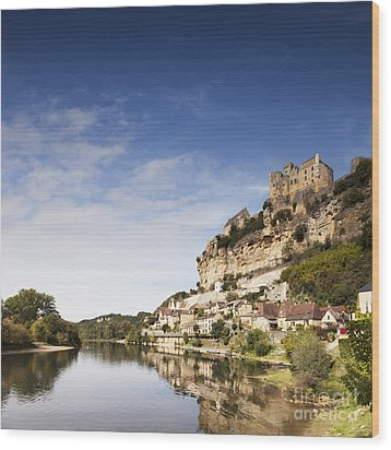 Beynac Et Cazenac Limousin France Wood Print by Colin and Linda McKie