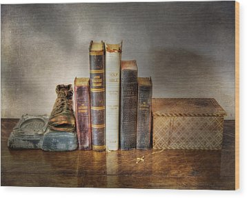 Bibles And Hymnbooks Wood Print by David and Carol Kelly