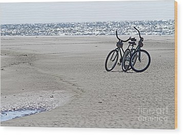 Bicycles On The Beach Wood Print by Kevin McCarthy