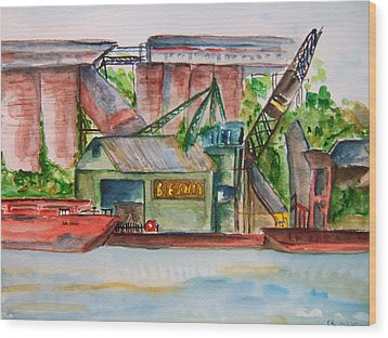 Big Andy Terminal On Ohio River Wood Print by Elaine Duras