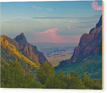 Big Bend Texas From The Chisos Mountain Lodge Wood Print by Gary Grayson