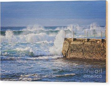 Big  Sea At Bondi Beach Australia Wood Print by Colin and Linda McKie