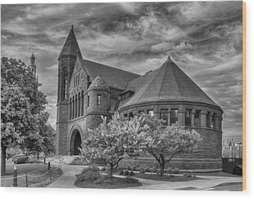 Billings Library At Uvm Burlington  Wood Print by Guy Whiteley
