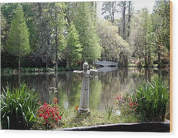 Bird Girl Of Magnolia Plantation Gardens Wood Print