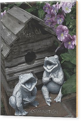 Birdhouse With Frogs Wood Print by Bonnie Willis