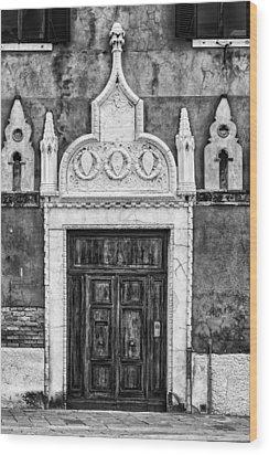 Black And White Door In Venice Wood Print