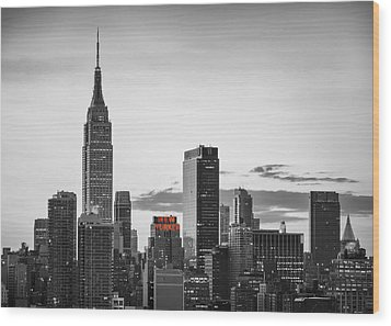 Black And White Version Of The New York City Skyline With Empire Wood Print by Eduard Moldoveanu