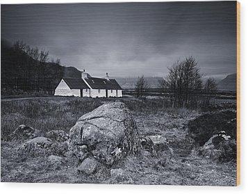 Black Rock Cottage - Glencoe Wood Print by Stephen Taylor