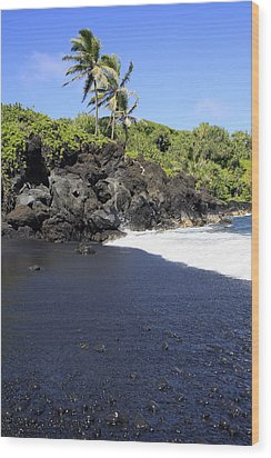 Black Sand Beach 1 Wood Print
