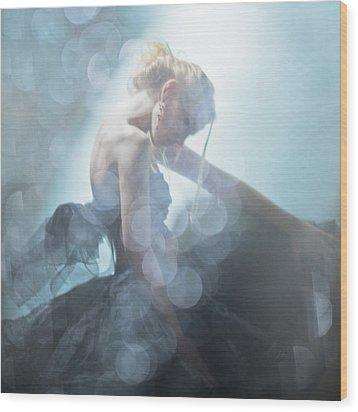 Black Swan Wood Print by Eugenia Kirikova