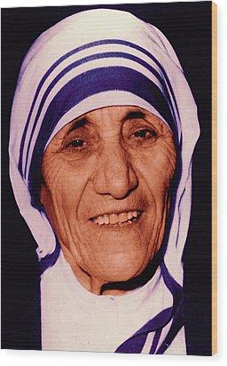 Blessed Teresa Of Calcutta Wood Print by Li   van Saathoff