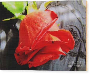 Wood Print featuring the photograph Blossoming Red by Robyn King