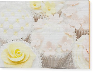 Blossoms And Bows Cupcake Wood Print by Anne Gilbert