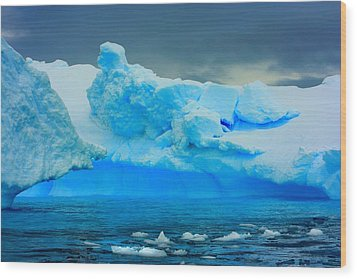 Wood Print featuring the photograph Blue Icebergs by Amanda Stadther