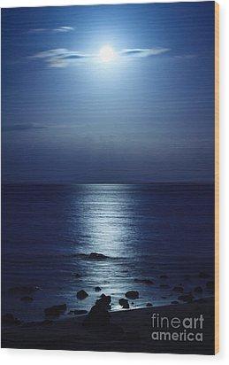 Blue Moon Rising Wood Print by Peta Thames