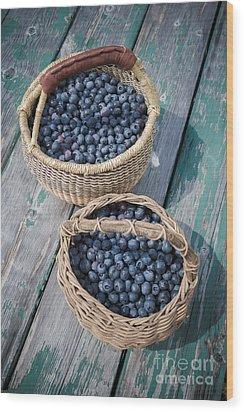 Blueberry Baskets Wood Print by Edward Fielding