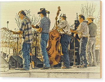 Bluegrass Evening Wood Print by Robert Frederick