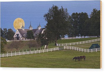 Bluegrass Moonrise Wood Print