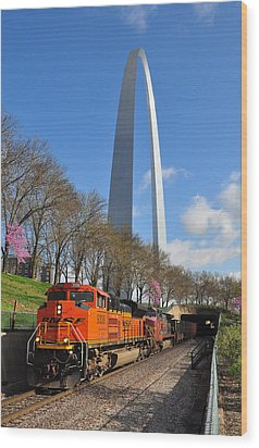 Bnsf Ore Train And St. Louis Gateway Arch Wood Print