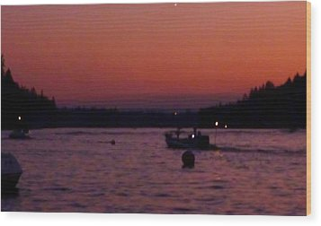 Boaters Red Sky At Night Oregon Wood Print by Susan Garren