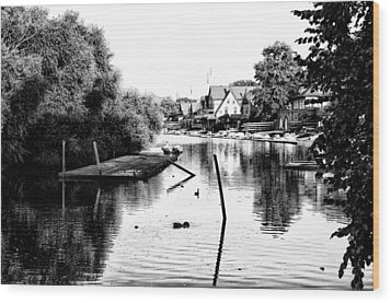 Boathouse Row Lagoon In Black And White Wood Print by Bill Cannon