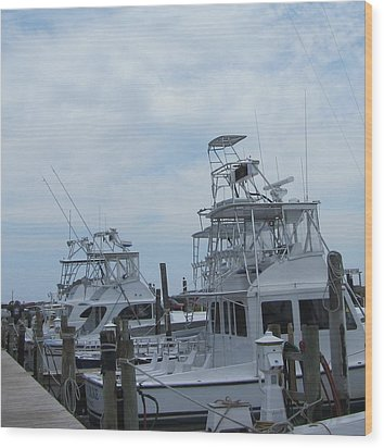 Boats Of Oregon Inlet Wood Print by Cathy Lindsey
