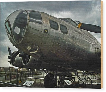 Boeing Flying Fortress B-17g  -  03 Wood Print by Gregory Dyer