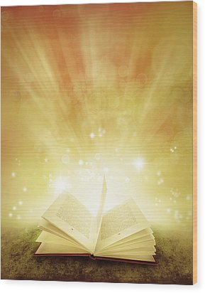 Book Of Dreams Wood Print by Les Cunliffe