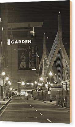 Boston Garder And Side Street Wood Print